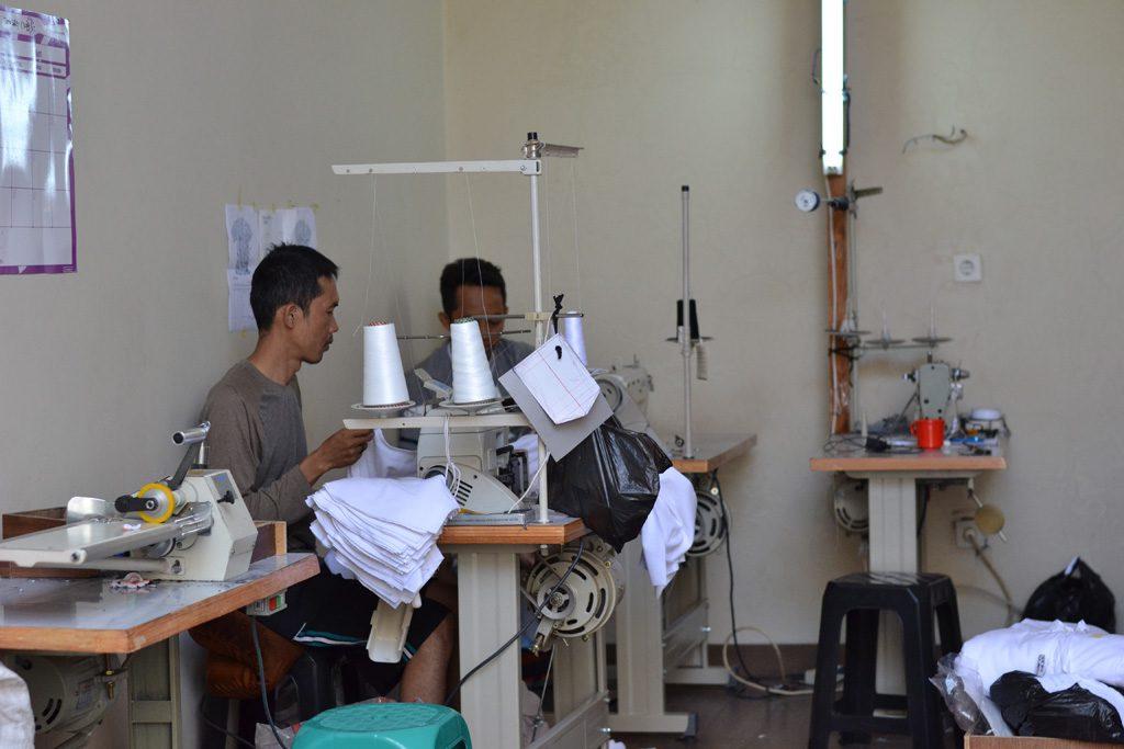 Bisnis Rumahan Buka Taylor Dengan Modal Kecil di Kota Bandung